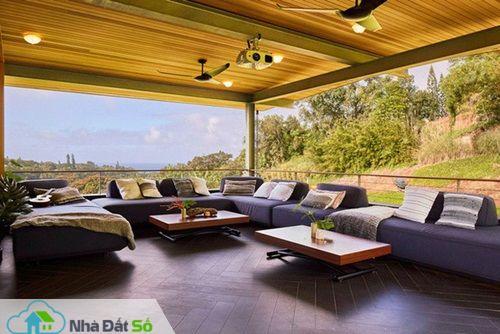 Gia chủ cho hay đồ nội thất hoàn toàn được sử dụng từ nguyên liệu ở địa phương, giảm chi phí vận chuyển.